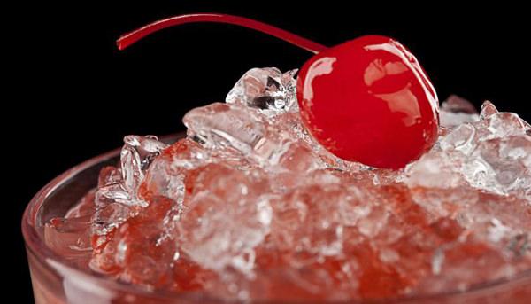 Cócteles y bebidas con cerezas